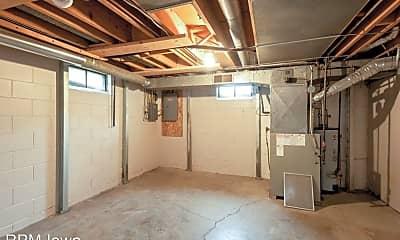 Bedroom, 214 SE 9th St, 2