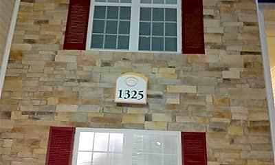 1325 Kershaw Loop 235, 1