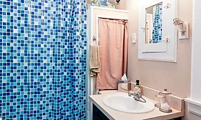 Bedroom, 2109 N Rosewood Ave, 2