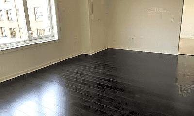 Living Room, 1711 Harbor Blvd, 2