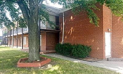 Building, 15811 Harper Ave, 2