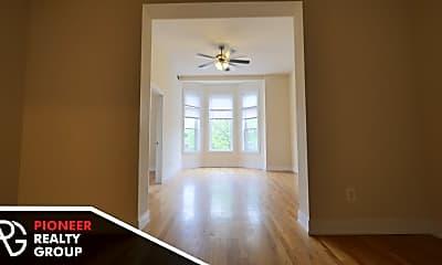 Living Room, 3356 N Sheffield Ave, 0