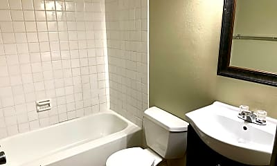 Bathroom, 2055 Blairs Ferry Rd NE, 1