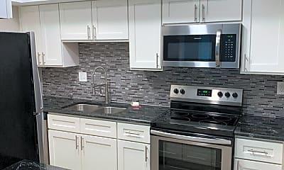 Kitchen, 782 Village Lake Terrace, 1