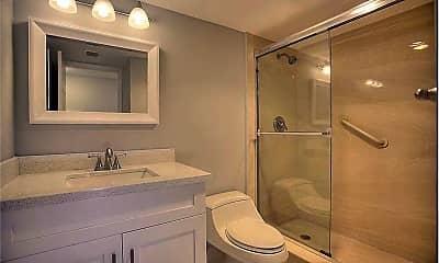 Bathroom, 1660 12 Oaks Way, 1