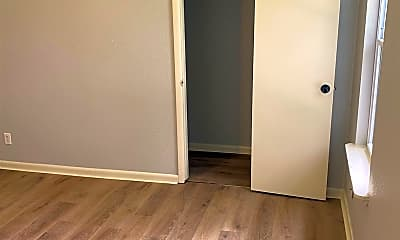Bedroom, 2900 S 14th St, 1