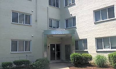 Building, 1009 Chillum Rd 101, 1