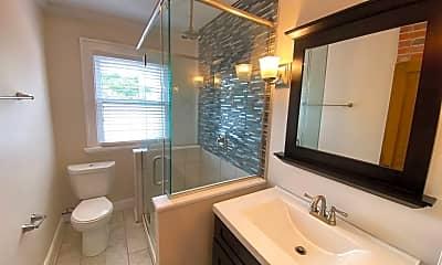 Bathroom, 1110 Jaeger St, 2
