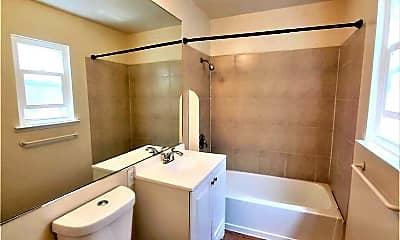 Bathroom, 2530 35th Avenue, 1