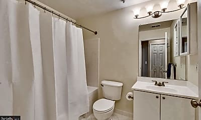 Bathroom, 44082 Natalie Terrace 102, 1