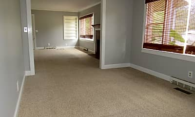Living Room, 388 Copper Cove, 1