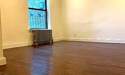 Living Room, 339 E 82nd St 4-B, 0