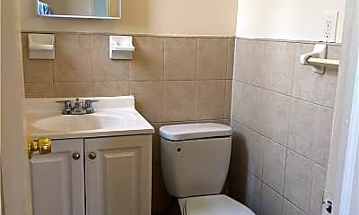 Bathroom, 1167 Willmohr St 3R, 2
