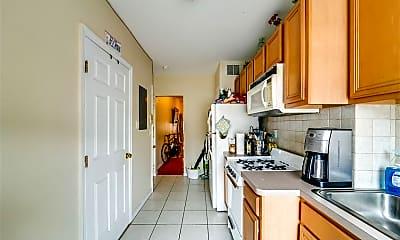 Kitchen, 201 Madison St 3S, 1