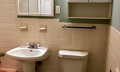 Bathroom, 1620 Greenwood Rd, 2
