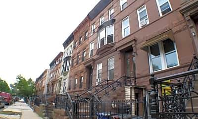 Building, 752 Greene Ave, 2