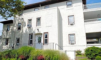 Building, 711 Beach Ave 3, 1