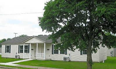 Building, 217 W Walnut St, 1