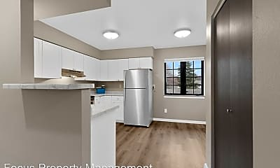 Kitchen, 410 Fox Shores Dr, 1