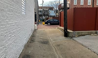 Building, 2715 Orleans St, 2