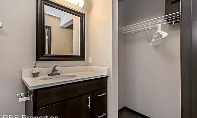 Bathroom, 122 Hayward Avenue, 2