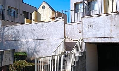 836 N Acacia St 838, 1
