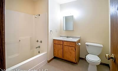 Bathroom, 303 S Iowa St, 1