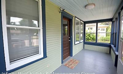 Patio / Deck, 907 4th Ave NW, 1