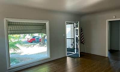 Living Room, 416 Macklyn Ave, 1