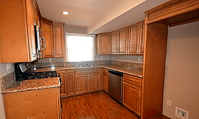 Kitchen, 732 N Washington Pl, 0