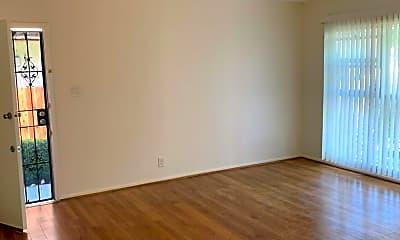 Living Room, 4004 Palmwood Dr, 1