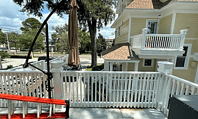 Patio / Deck, 2705 Riverside Ave, 2