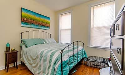 Bedroom, 1827 N Hermitage Ave, 2
