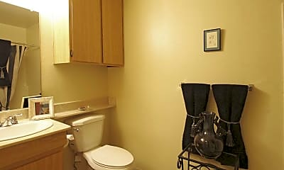 Bathroom, MillCreek Apartment Homes, 2