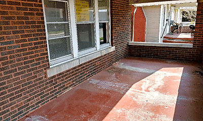 Patio / Deck, 2116 N Maryland Ave, 1