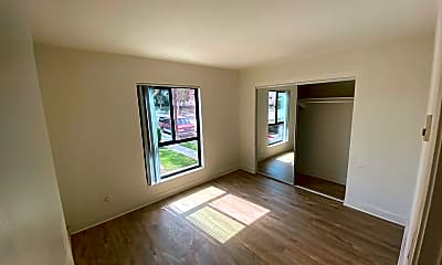 Living Room, 431 Indiana St, 2