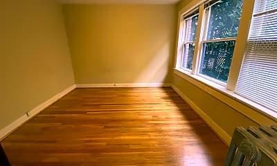 Living Room, 309 Belmont Ave E, 1