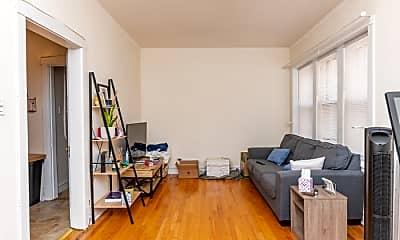Living Room, 2480 N Lincoln Ave, 1