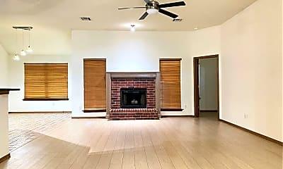 Living Room, 6005 SE 88th St, 1