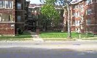 126-132 N. Elmwood, 2
