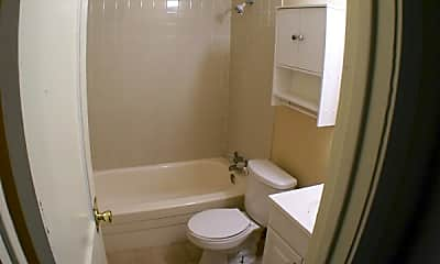 Bathroom, 930 Ontario St, 1