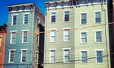 Building, 24 E 15th St, 2