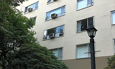 Lee Apartments, 2