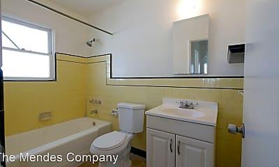 Bathroom, 925 Hoover Ave, 2