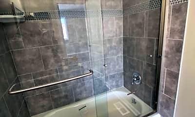 Bathroom, 87 Parkside Rd, 2