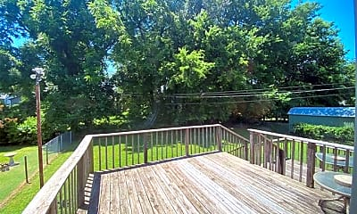 Patio / Deck, 714 S Marion Ave, 2