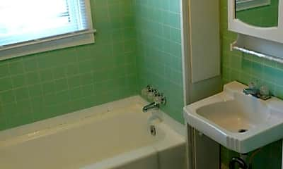 Bathroom, 615 Jackson St, 2