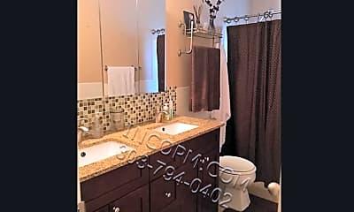 Bathroom, 700 E Eastman Ave, 1
