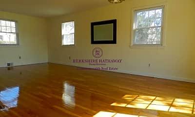 Living Room, 312 Lowell St, 2