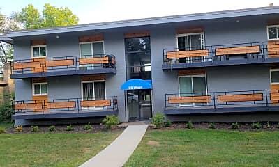 95 West Luxury Apartments, 1